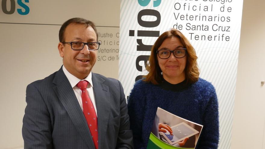 José Manuel Garrido y María Luisa Fernandez han rubricado el convenio.