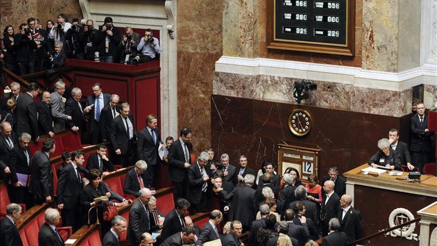 Una trifulca parlamentaria empaña el cierre del debate sobre las bodas gay en Francia