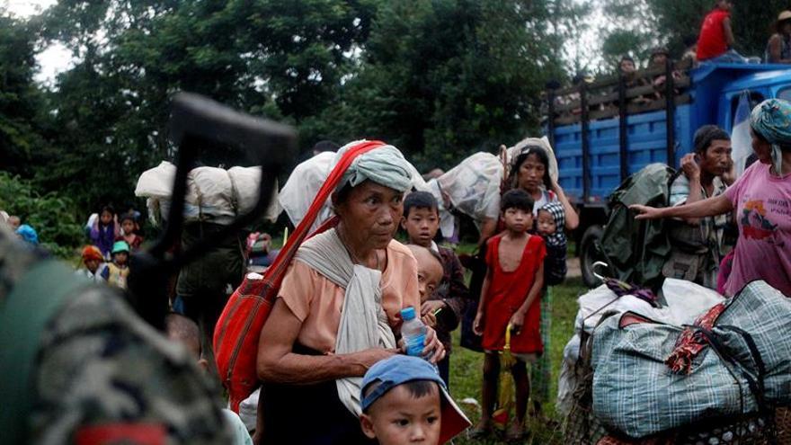 Más de 8.000 desplazados en Birmania por combates entre Ejército y guerrillas