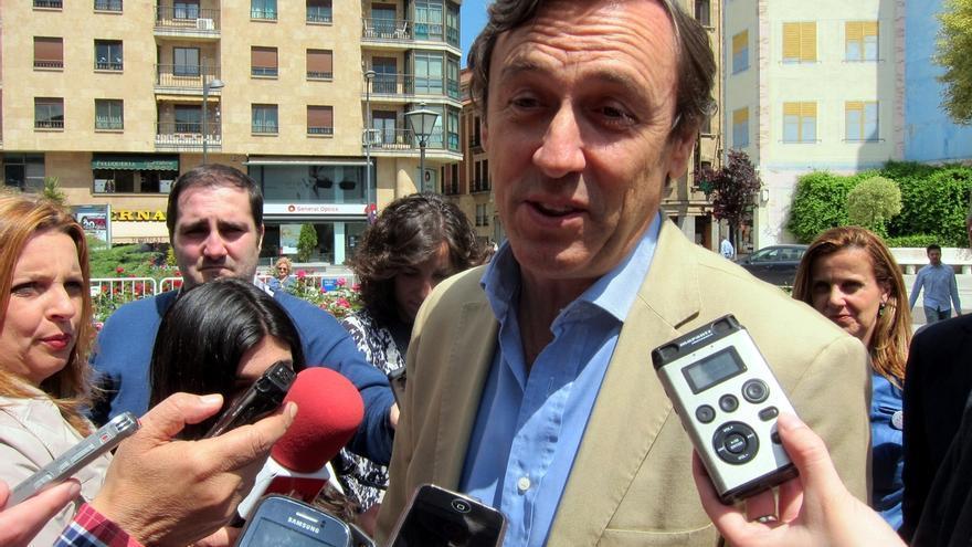 """Rafael Hernando (PP) acusa a Ada Colau de """"dar alas a los violentos"""""""