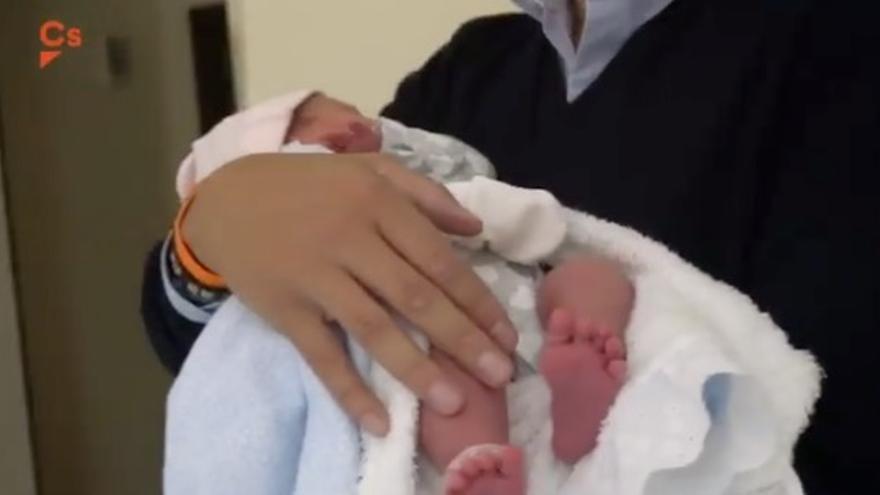Uno de los momentos del vídeo difundido por Ciudadanos