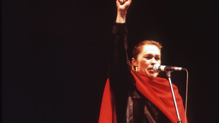 Marisol La Obrera De La Cultura Que Vendió Sus Premios Franquistas