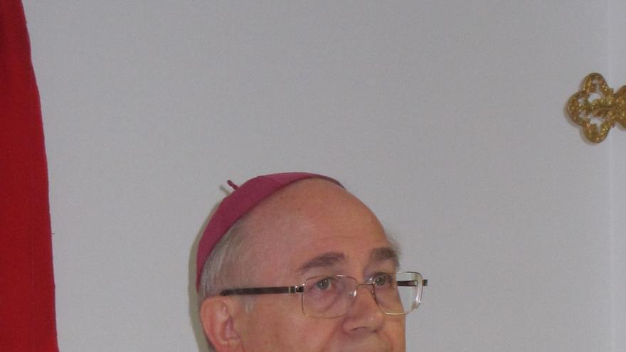 """Obispo de Almería:""""Nadie me puede obligar a dar la venia religiosa para enseñar Religión"""" a Resurrección Galera"""