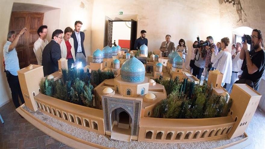 La Alhambra conquista Latinoamérica convertida en pequeños monumentos