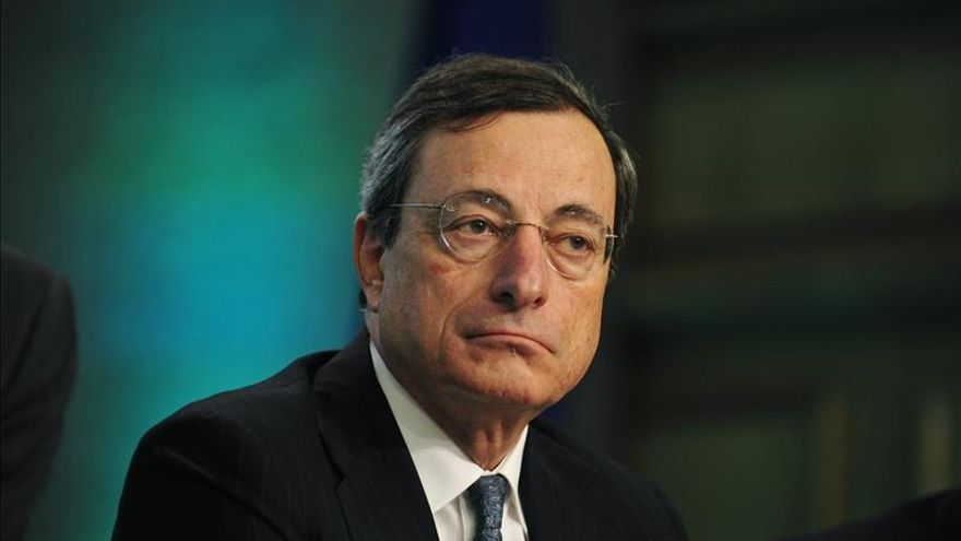 Los eurodiputados debaten hoy con Draghi el papel del BCE en la crisis de la eurozona