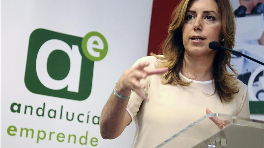 """Susana Díaz sobre un referéndum afirma que defiende """"el Estado de derecho y la Constitución"""""""