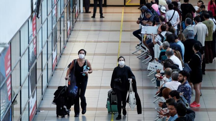 Latinoamérica empieza a imponer cuarentenas a viajeros de Europa y China
