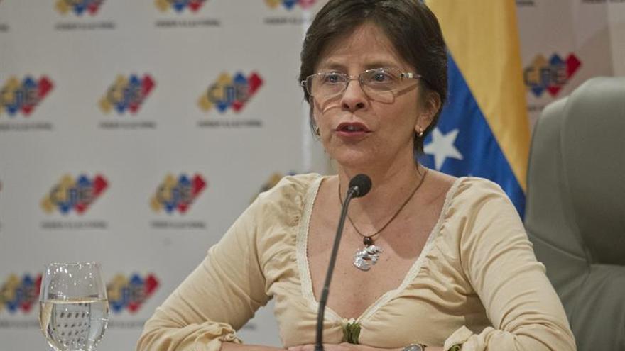El Poder Electoral venezolano asegura que no recibe presiones para el revocatorio