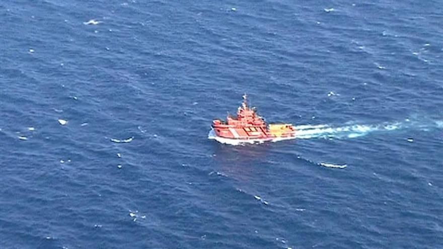 Zona en la que el pesquero ruso 'Oleg Naydenov' hundido el martes al sur de Maspalomas. EFE/TVE Pool