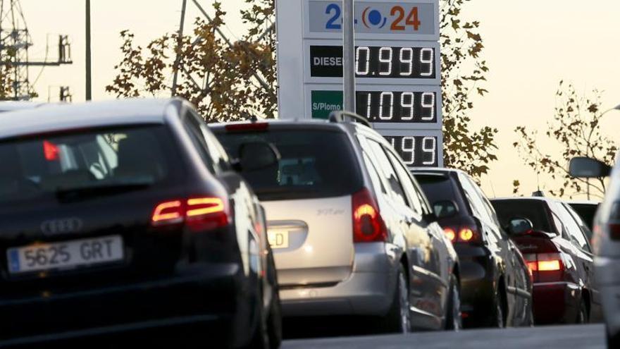 El margen bruto de los carburantes en España supera en 0,03 euros al europeo