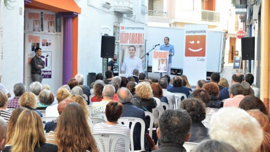 Ximo Pelrles, candidato de Compromís en un mitin.