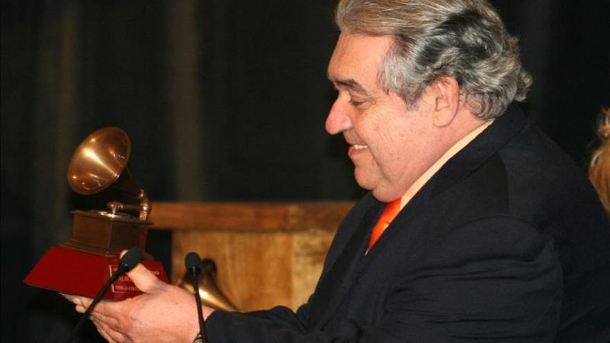 """Canto porque no tengo otro remedio"", asegura Alberto Cortez"