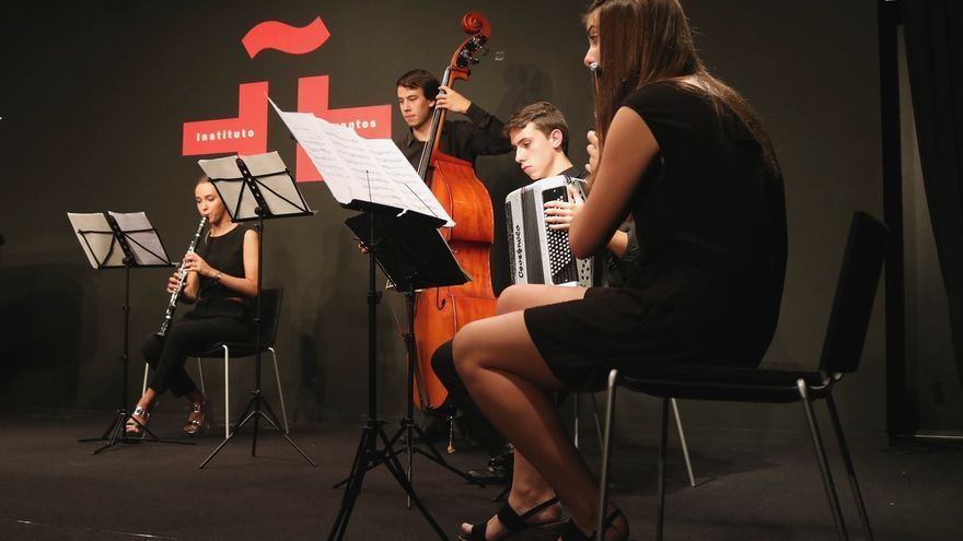 Los alumnos del Ataúlfo Argenta participan en un concierto multicultural en el Instituto Cervantes de Tokio