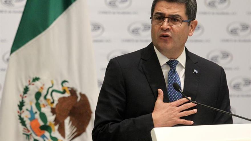 Presidente de Honduras ordena envío de reos peligrosos a cárcel más segura