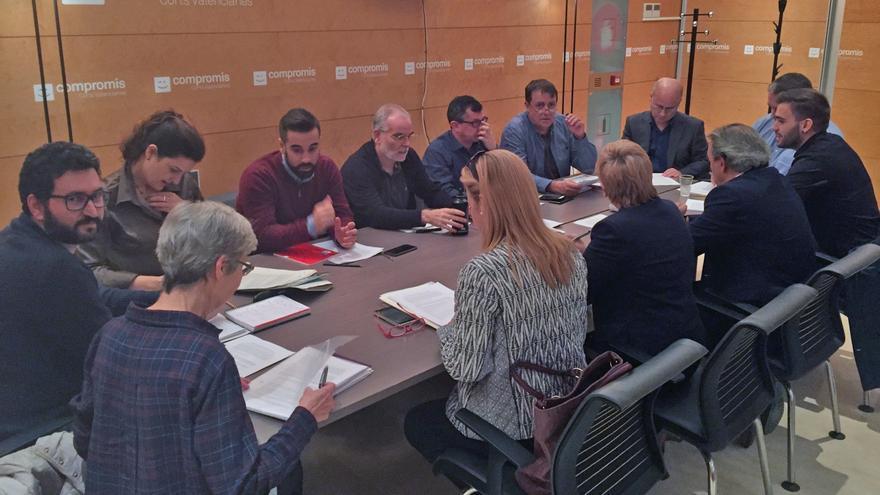 Representantes de PSPV, Compromís y Podemos en una reunión de la comisión de seguimiento del 'Acord del Botànic'