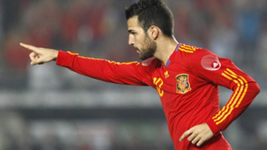 Cesc marca el camino de España