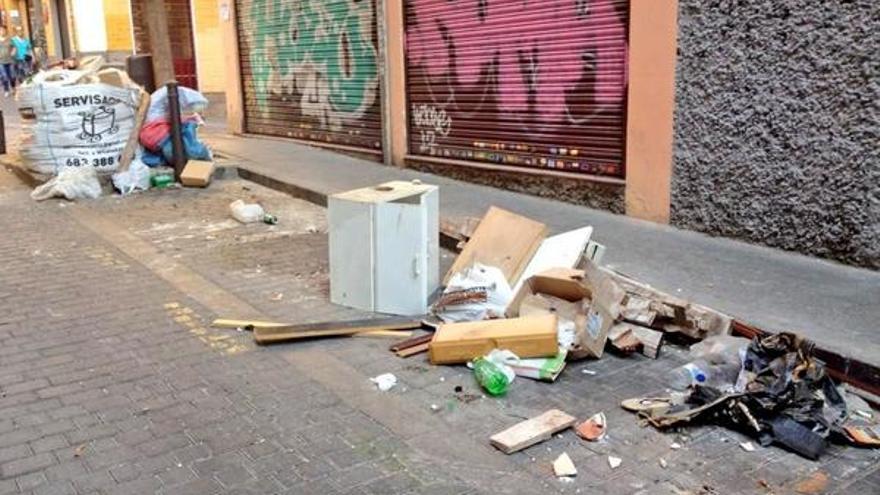 Suciedad acumulada en Madrid en agosto de 2014 /@Ascomadrid