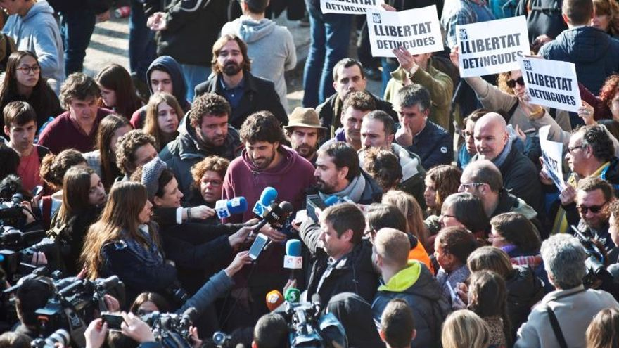 Las detenciones por ocupar las vías del AVE causaron indignación en el independentismo