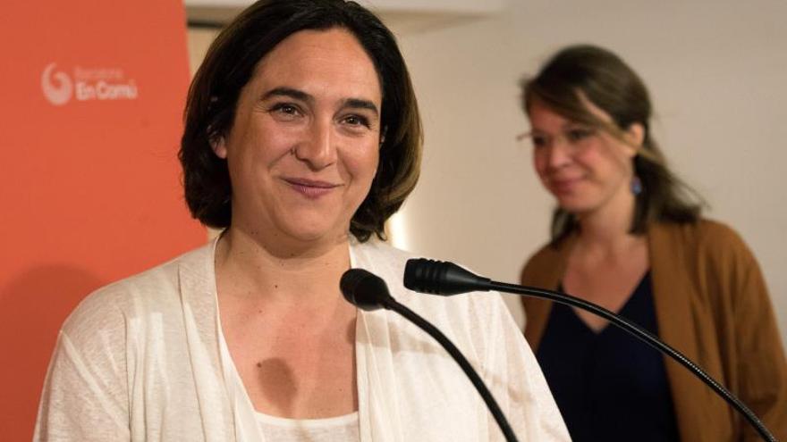 """Colau elogia """"la grandeza"""" del acto de Iglesias que deja al PSOE sin excusas"""