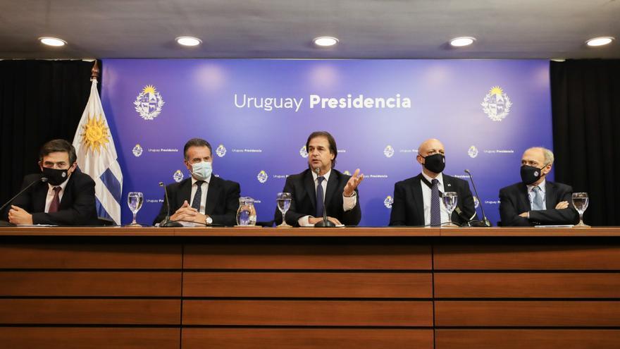 Uruguay asume un plan preventivo de covid-19 para evitar otras medidas en fin de año