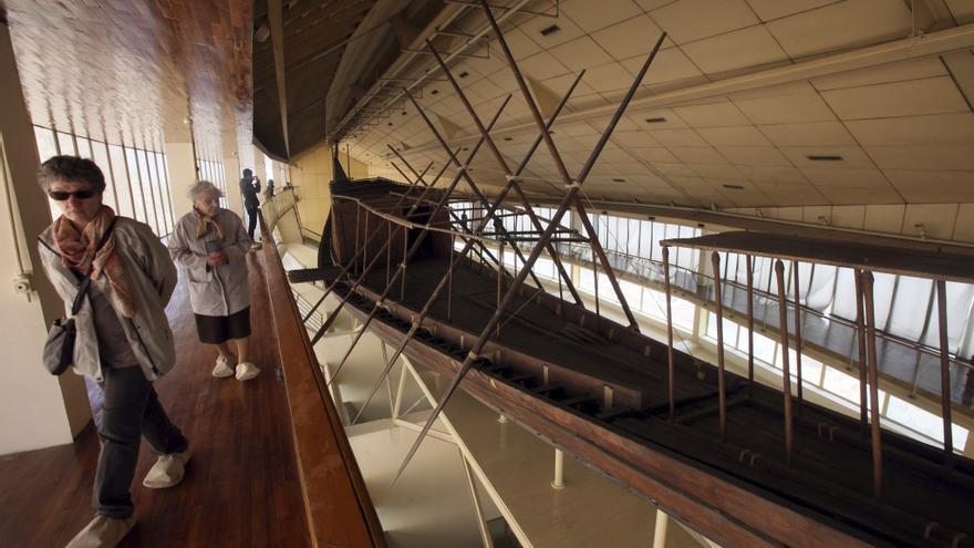 La barca solar de Keops, la más antigua del Antiguo Egipto, llega al GEM