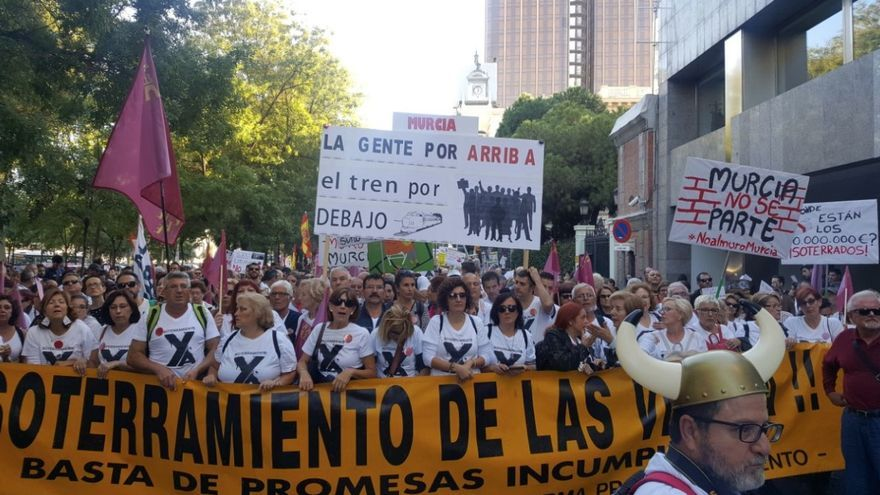 Protestas por el muro de Murcia en Madrid. Foto: Clara Cerezo