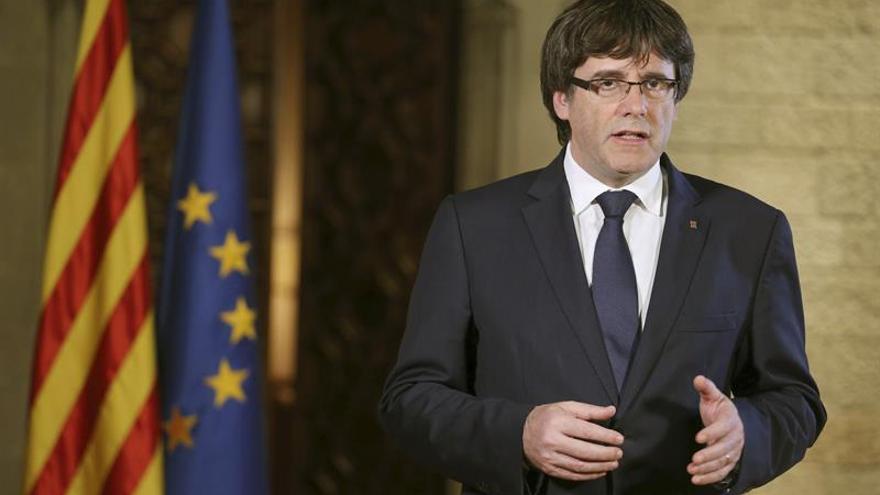El presidente del Senado, dispuesto a invitar a Puigdemont al pleno del viernes
