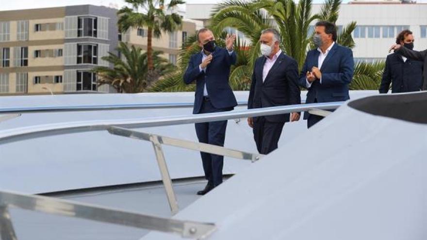 El presidente canario trasladará a la Unión Europea su rechazo a la política de bloqueo de migrantes en las zonas fronterizas