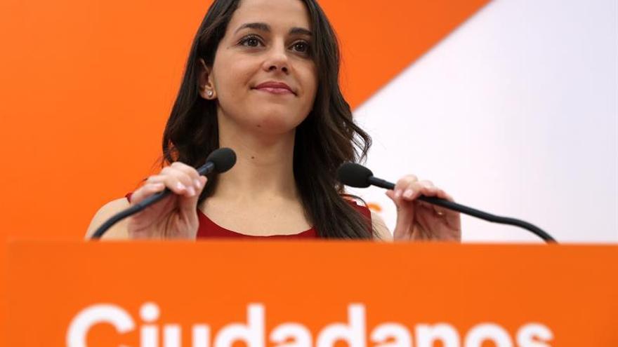 """Cs pide a Sánchez que aclare si su oferta de diálogo es para """"destruir todo"""""""
