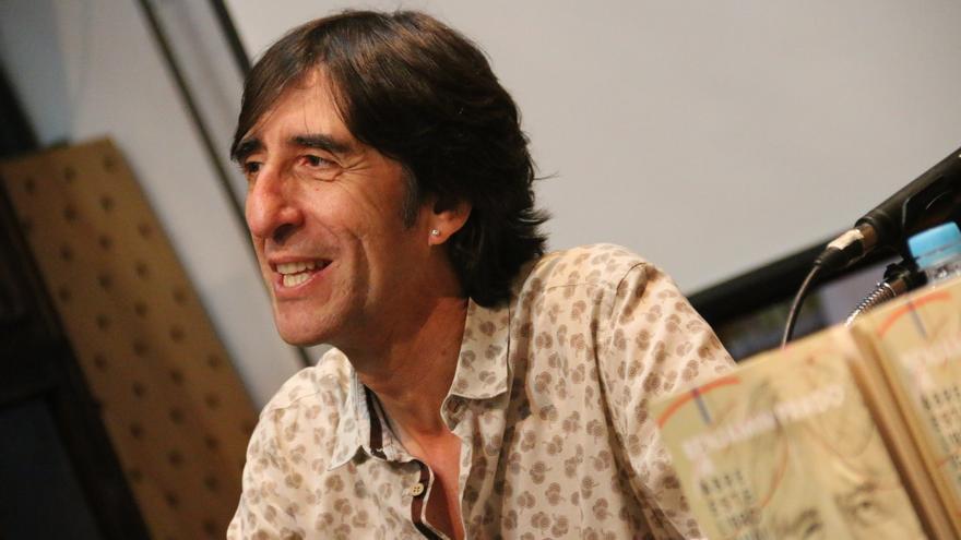 Benjamín Prado: con la poesía ha ocurrido un milagro, se ha rejuvenecido