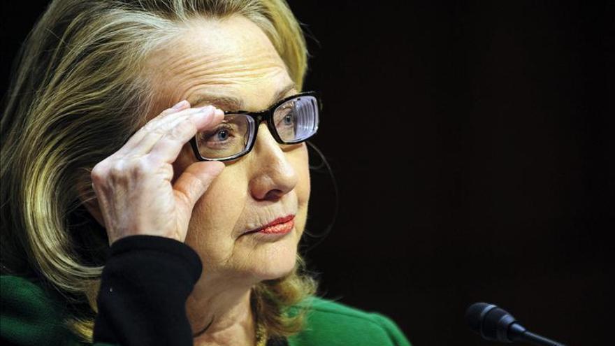 """Clinton advierte que Al Qaeda continuará su """"empresa criminal"""" en Mali"""
