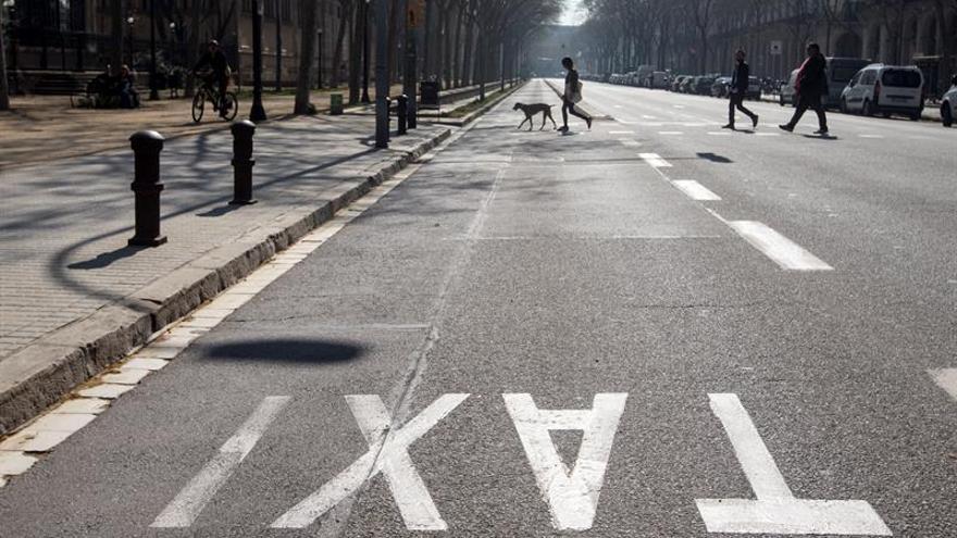 Seguimiento mayoritario de la huelga del taxi en Barcelona, según sindicatos
