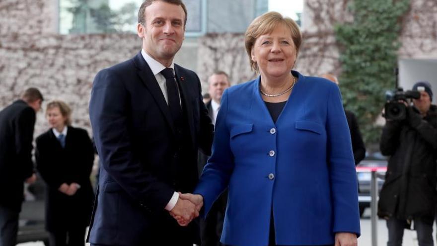 Macron y Merkel presentarán hoy una iniciativa conjunta para Europa