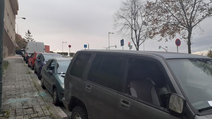 Rompen los cristales de once vehículos en Grupo Mirador a Bilbao para robar en su interior