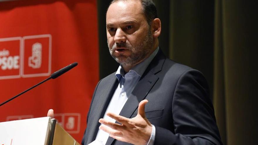 Ábalos: Hay que ver lo mucho que ha rejuvenecido el PSOE pese a sus 140 años