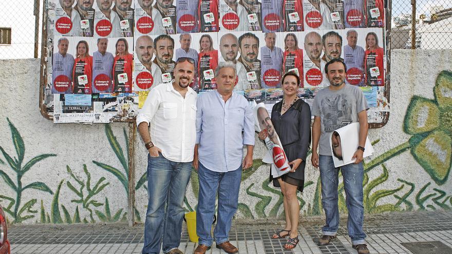 Pegada simbólica de carteles de campaña electoral. Foto: Alejandro Ramos