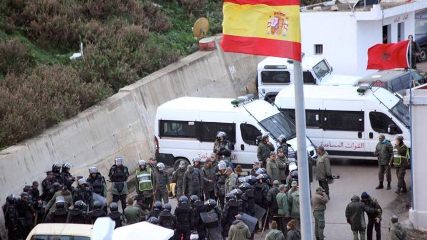 Evitan un intento de entrada de 60 inmigrantes a Ceuta