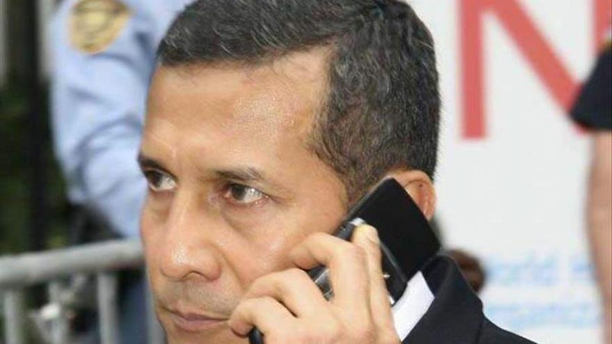Humala llama a Macri para saludarlo tras el triunfo en las presidenciales argentinas