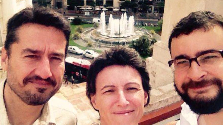 Jordi Peris, María Oliver y Roberto Jaramillo, concejales de València en Comú, en verano de 2015.