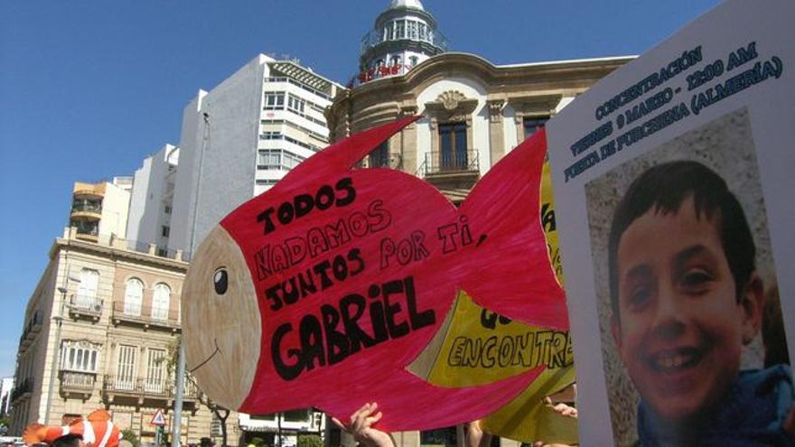 Manifestación de apoyo a los padres de Gabriel, el menor desaparecido, en Almería