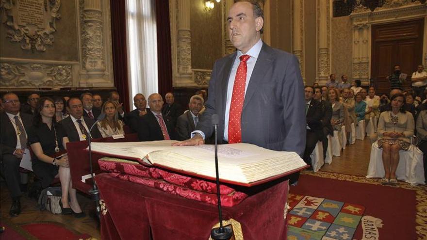 Fallece a los 55 años el presidente de la Diputación de Palencia (PP)