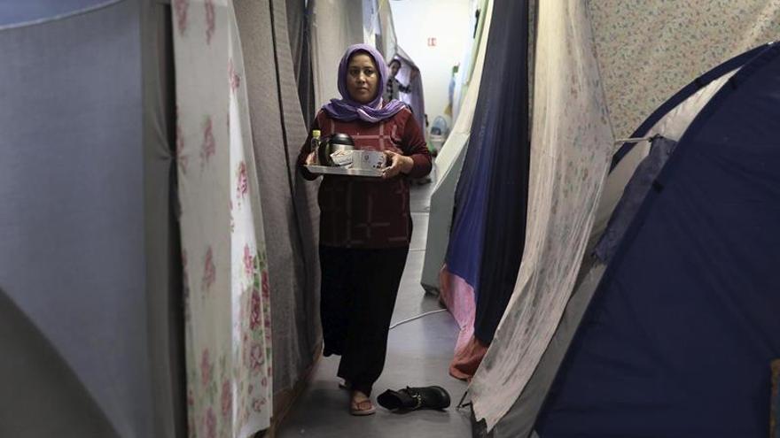 Medio millar de refugiados llegan a las islas griegas durante fin de semana