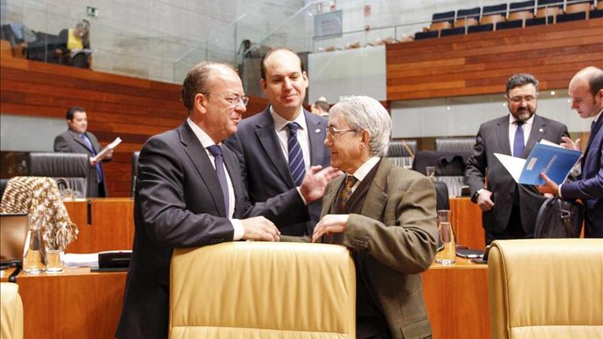 Monago consigue aprobar su reforma fiscal contra todo pronóstico