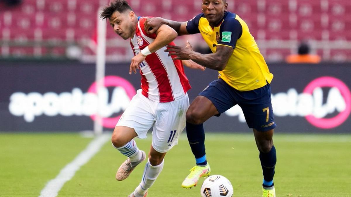 Ecuador pudo doblegar la resistencia de Paraguay sobre el final del partido.