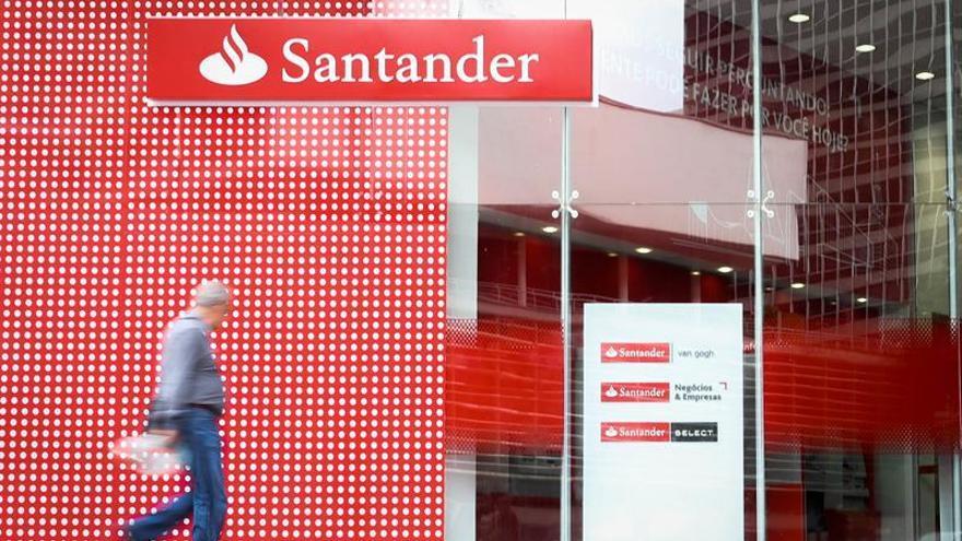 """El Santander anima a citar la crisis en pasado """"porque todo empieza a mejorar"""""""