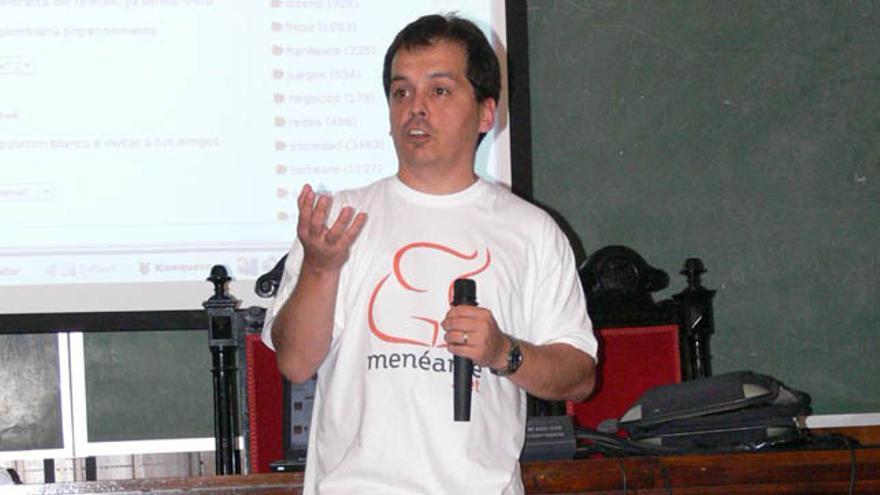 Ricardo Galli es socio fundador y programador de Menéame