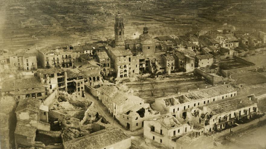 El pueblo de la Granadella, devastado tras la Guerra