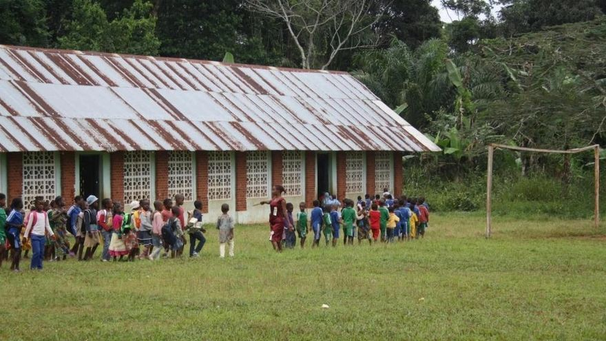 Alumnos en el colegio de la ciudad de Bengbis, al sur de Camerún.
