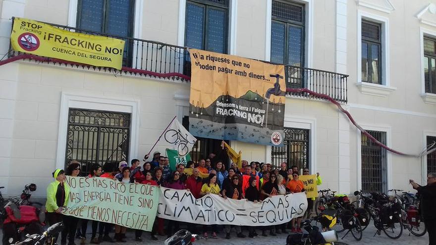 A las puertas del Ayuntamiento de Cieza, en Murcia.