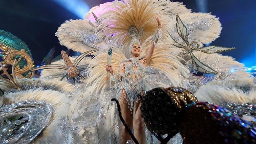 """Minerva Hernández reina en Las Palmas en un Carnaval lleno de """"Vida"""""""